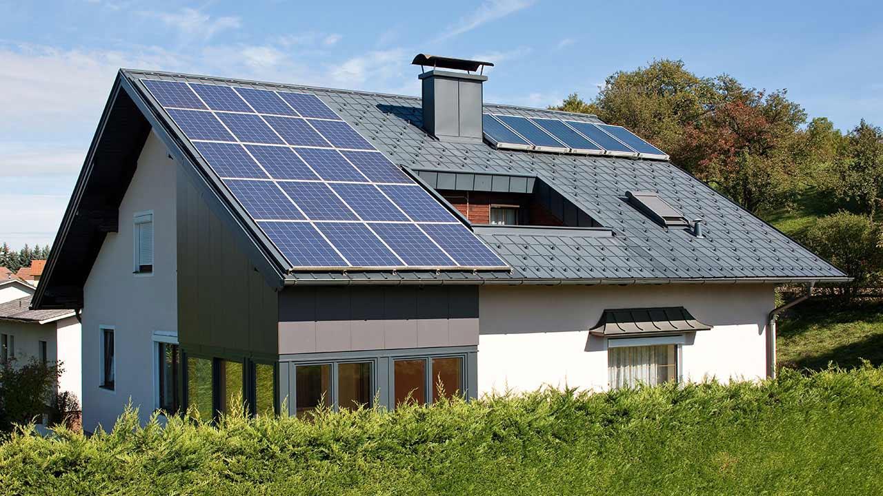 tipps tricks schneeschutz bei energiegewinnungsfl chen pv oder solar anlagen prefa. Black Bedroom Furniture Sets. Home Design Ideas
