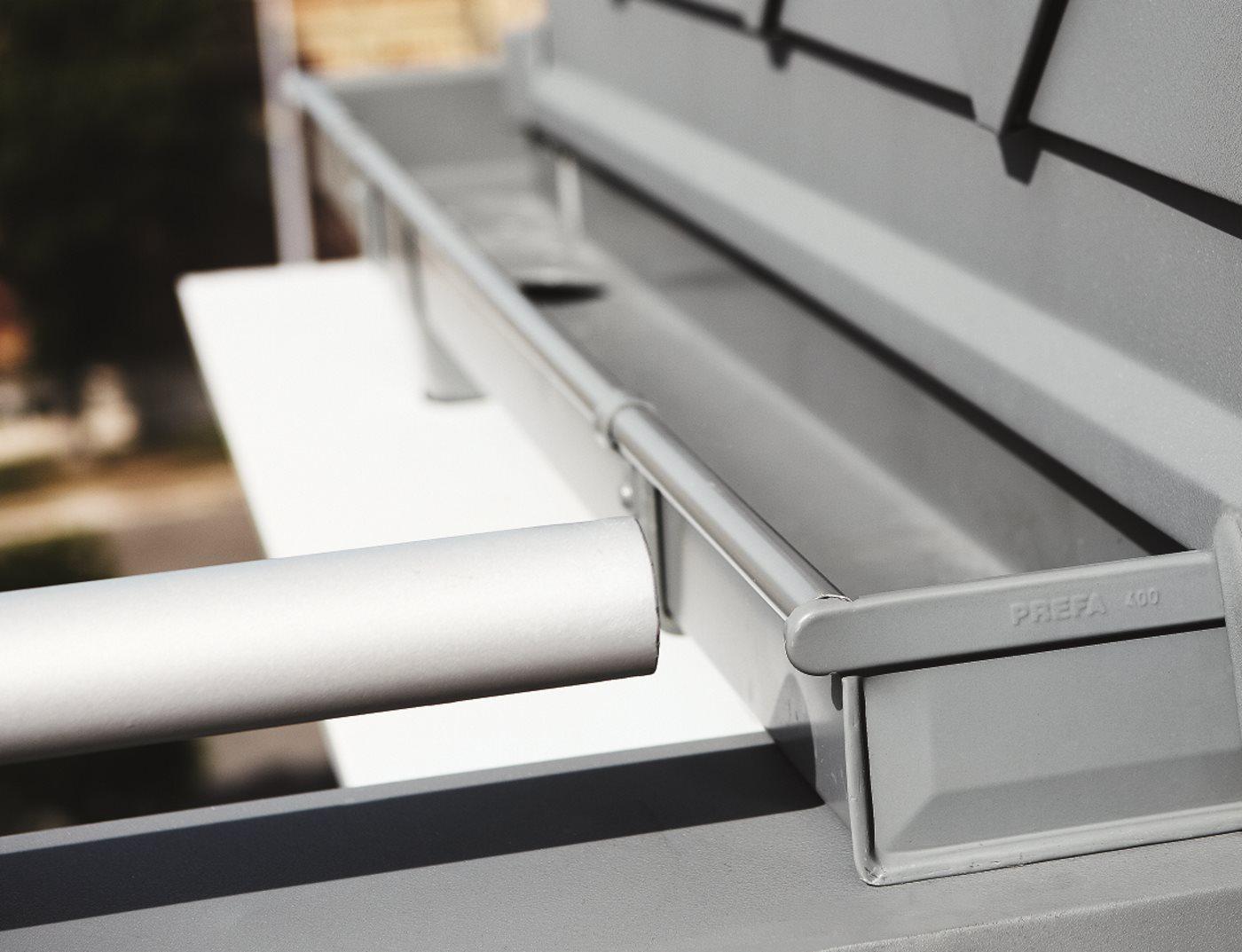 Kastendachrinne balkon  Kastenrinne | PREFA